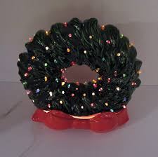 Atlantic Mold Ceramic Christmas Tree History by Vintage Ceramic Christmas Wreath With Faux Plastic Lights Lit Up