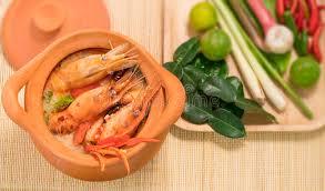 cuisine thailandaise traditionnelle tom yum goong en cuisine thaïlandaise traditionnelle de nourriture