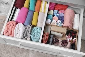 ideen für mehr ordnung im kleiderschrank mit system zu