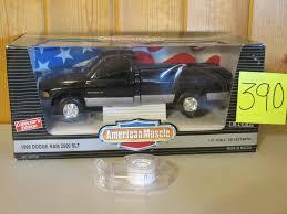 1/18 Scale 1995 Dodge Ram 2500 SLT Truck Toy Die Cast 14