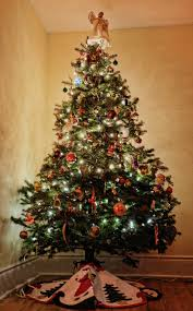 6ft Christmas Tree With Decorations by Small Space Christmas Tree Ideas Apartment Therapy