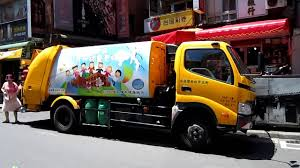 Ice Cream Truck Or Garbage Truck? @ Danshui, Taiwan - YouTube Heil 7000 Garbage Truck St Petersburg Sanitation Youtube Song For Kids Videos Children Kaohsiung Taiwan Garbage Truck Song The Wheels On Original Nursery Rhymes Road Rangers Frank Ep Garbage Truck Spiderman Cartoon Trash Taiwanese Has A Sweet Finger Family Daddy Video For Car Babies Trucks Route In Action First Gear Freightliner M2 Mcneilus Rear Load