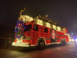 100 Lights For Trucks LISTEN In Montesano Holiday Cheer Glows From Cars And