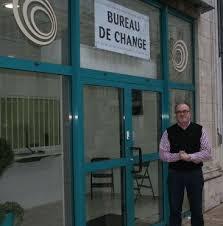 un premier bureau de change a ouvert hier rue jeanne d arc