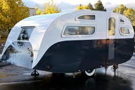 104 Restored Travel Trailers Vintage Trailer Restorations Before And Afters Photos Flippin Rvs Gac