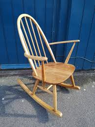 Original 1960s Ercol Windsor Quaker Rocking Chair In Blonde Elm.  Vintage/Retro/Mid Century Black Classic Americana Style Windsor Rocker Feature Chair Upgraded Fniture Store Furni Quaker 428 Child Rocking By Ercol 1960s Oak Chairs Frasesdenquistacom Carver Ding Chair 912 Originals Chairmakers Armchair Ebay Ercol Spindle Back Chairs Wooden Round Quaker Rocking Blonde In Liskeard Cornwall Gumtree Goldsmith Nationwide Delivery Model 315 By Lucian Randolph Ercolani For Vintage Quaker Rocking Chair Leifdesignpark