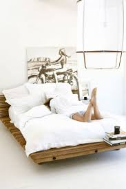 Dwr Min Bed by Best 25 Wooden Bed Base Ideas On Pinterest Wooden Bed Designs