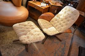 Vintage Mid Century Modern George Mulhauser Leather And Hide Lounge ... Iconic Midcentury Lounge Chairs Vintage Industrial Style Plycraft Lounge Chair Overloginfo Plycraft Chair George Mulhauser Mid Century Modern Tufted Randy Leather And Hide 187 Orge Mulhauser Mr Ottoman American For By A Rejuvenating Aymerick Bookyume Ottoman Youtube