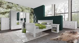 komplett schlafzimmer aus kiefernholz im landhausstil liska