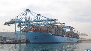 le plus grand porte conteneurs au monde fait escale au port tanger
