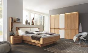 schlafzimmer in creme buchefarben