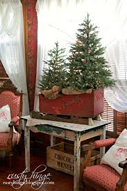 Silver Tip Christmas Tree Bay Area by Two Christmas Trees In A Sleigh So Gorgeous Decor Christmas