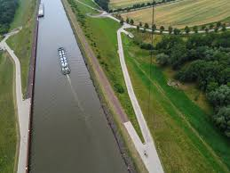 100 Magdeburg Water Bridge Kite Above The Pictures And Video T Flickr