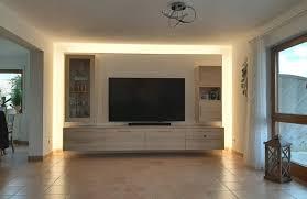 schwebende tv wohnwand schafft völlig neue raumsituation