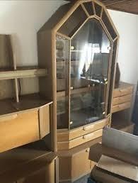 details zu wohnzimmer schrankwand glastüren beleuchtet ausziehbarer tisch kleiner schrank