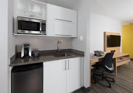 chambre d hotel avec cuisine suite 1 chambre king cuisinette hôtel inn express de québec