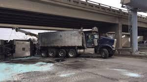 100 Big Truck Wrecks NB I75 Reopens In Oakland Co After Salt Truck Crash