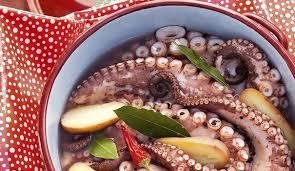 cuisiner le poulpe recette poulpe en cocotte l express styles