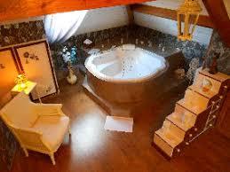chambre baignoire balneo la tour de guignes gîtes et chambre d hôtes en val de loire