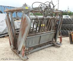 100 Bowman Truck Sales Squeeze Chute Item DM9601 SOLD May 31 Ag Equipme