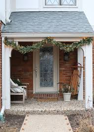 Outdoor Christmas Decorating Ideas Front Porch by 226 Best Christmas Door Porch Mailbox Images On Pinterest