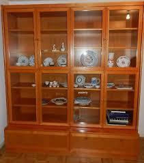 hochwertiger grosser vitrinenschrank kirschbaum segmüller