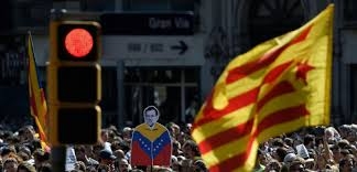aux bureaux catalogne madrid s attaque aux bureaux de vote du référendum interdit