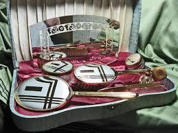 Vanity Mirror Dresser Set by 32 Best Vanity Case Images On Pinterest Vanity Cases Vintage