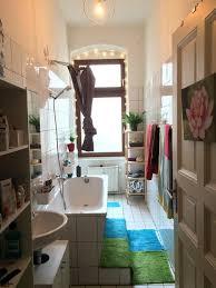 helles badezimmer mit lichterkette eingerichtet badezimmer