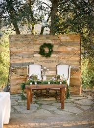 Decorating Outdoor Country Wedding Table With Rustic Backdrop