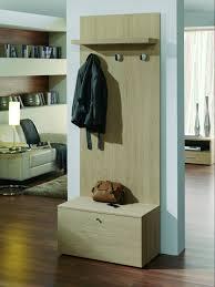 offrez vous un petit meuble porte manteaux très pratique pour