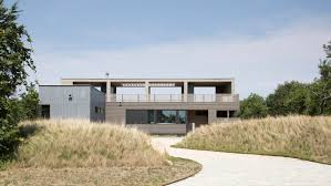 100 Resolution 4 Prefabricated Modules Form Waterfront North Fork Bluff House