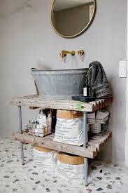 rustikale zinkwanne als waschbecken mit bild kaufen