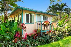 100 Northshore Bungalows Made You Look A North Shore Getaway On Oahu Is On Sale For