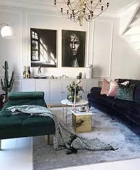 weiße wände mit dunklen möbeln kombinieren innenarchitektur