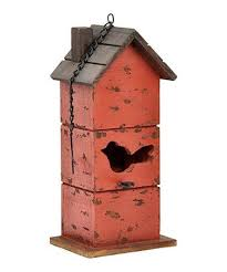 This Rustic Birdhouse Provides A Cozy Sturdy Home For Your Neighborhood Birds Keeping Lawn Fluttering With Feathered Friends