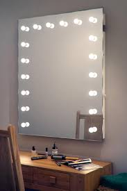 Vanity Table With Lighted Mirror Canada by Large Mirror With Light Bulbs Descargas Mundiales Com