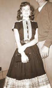 How Fabulous Does This Girl Look Vintage 1950s South Western