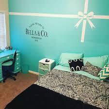 Tiffany Blue Living Room Decor by Best 25 Tiffany Blue Bedroom Ideas On Pinterest Teal Study