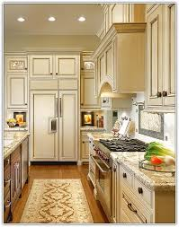 kitchen cabinets light countertops quicua