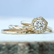 Get Custom Rings With 3D Printing Technology And Ethical Stones