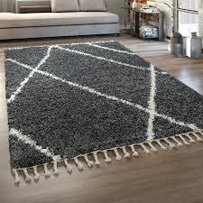 hochflor teppich wohnzimmer shaggy skandinavischer stil mit fransen grau weiß