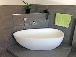 freistehende badewanne luino aus mineralguss weiß matt