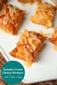 Bobby Flay Pumpkin Pie With Cinnamon Crunch by Bobby Flays Throwdown Pumpkin Pie With Cinnamon Crunch U0026 Bourbon