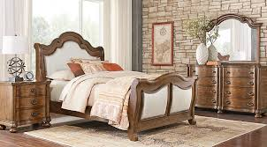 Rooms To Go Queen Bedroom Sets by Thornbury Pecan 5 Pc Queen Upholstered Bedroom Queen Bedroom