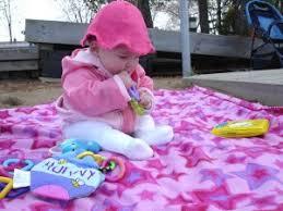 a quel âge bébé tient il assis question bébé