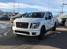 100 Nissan Titan Truck 2018 SL MIDNIGHT EDITION Crew Cab For Sale Or