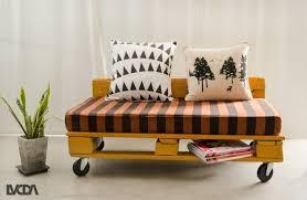 canap sur roulettes meuble en palette 81 idées diy pour votre espace maison