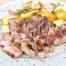 comment cuisiner des cotes de porc recette côtes de porc aux pommes de terre au four facile rapide