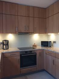 raumhohe holzküche in buche lackiert arbeitsplatte granit